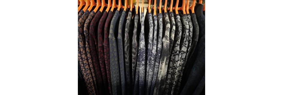 Bliuzonai, megztukai, džemperiai